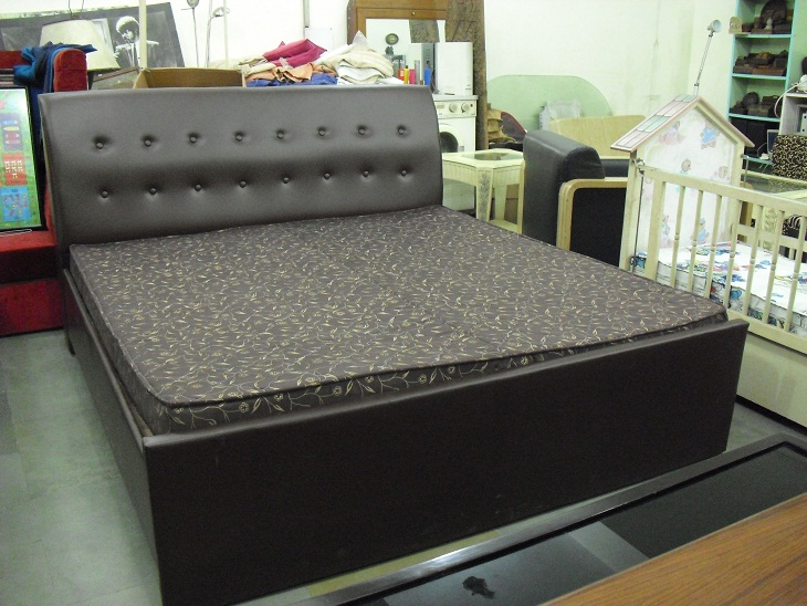 Used bedroom furniture for sale in hyderabad bedroom for Buy used mattress online