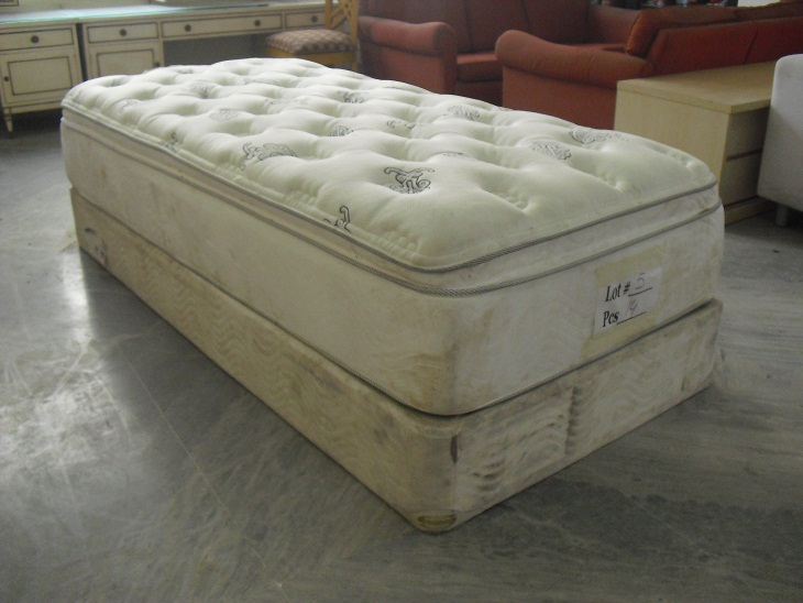 Single Bed With Spring Mattress