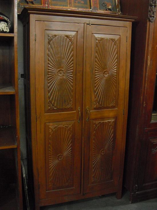 Wooden almirah 1 used furniture for sale Pictures of wooden almirahs