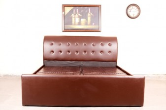 used Leatherite Double Bed