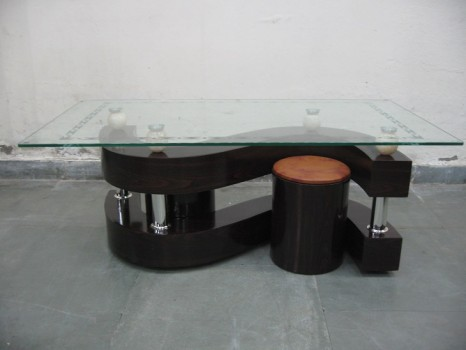 used Center Table With 2 Stool