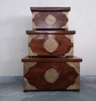 used Set of 3 Brass Fitted Trunk