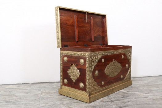 used Wooden Brass Fitted Trunk