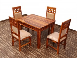 used Universal 4 Seater Dining Set